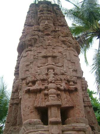 Royal Decameron Salinitas: sculpture