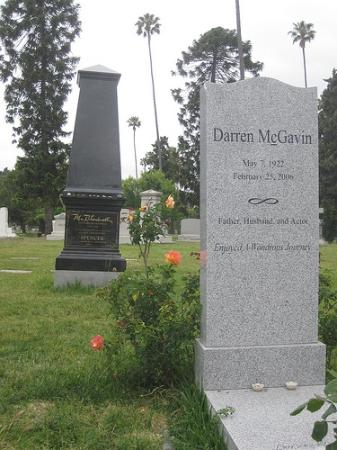 Hollywood Forever Cemetery: Darren McGavin and Mr. Blackwell