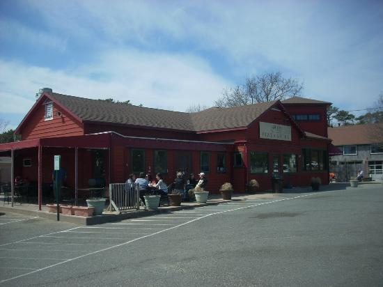 Savory and the Sweet Escape: Savory is easy to find on route 6 en route to Provincetown.