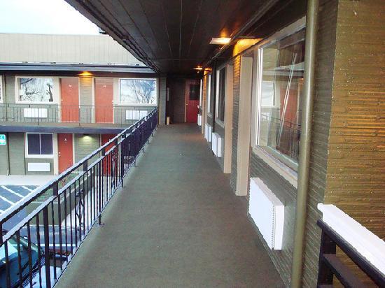 River Park Inn: Balcony Rooms