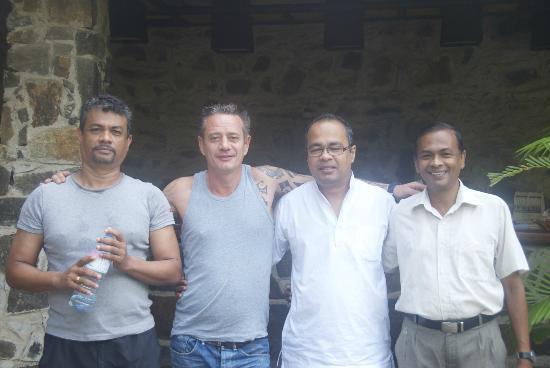 Sri Gemunu Beach Resort: Brilliant Sri Gemenu team