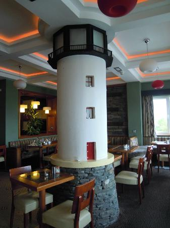 Garryvoe Hotel: The Lighthouse Bar
