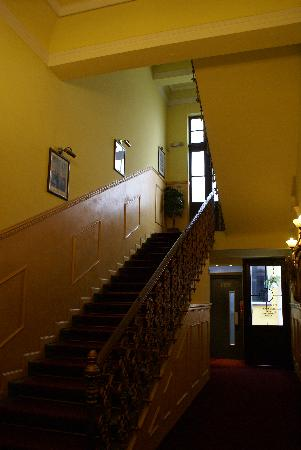Old Prague Hotel: l'escalier
