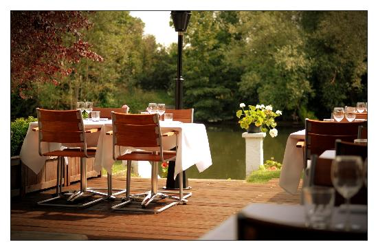 Bray on Thames, UK: Riverside Brasserie Terrace