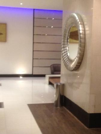 Anwar Al Madinah Movenpick Hotel : reception