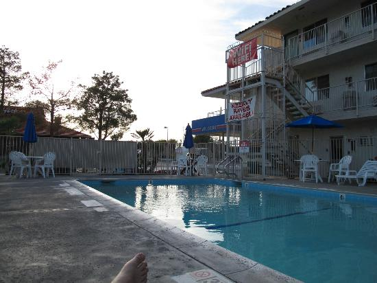 Motel 6 Twentynine Palms: the pool