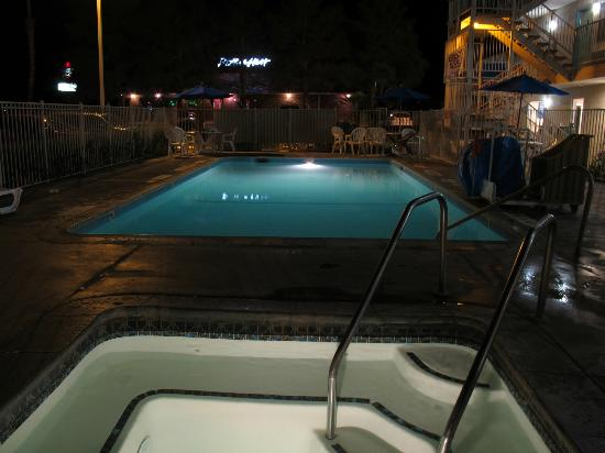 Motel 6 Twentynine Palms: the pool and the jacuzzu