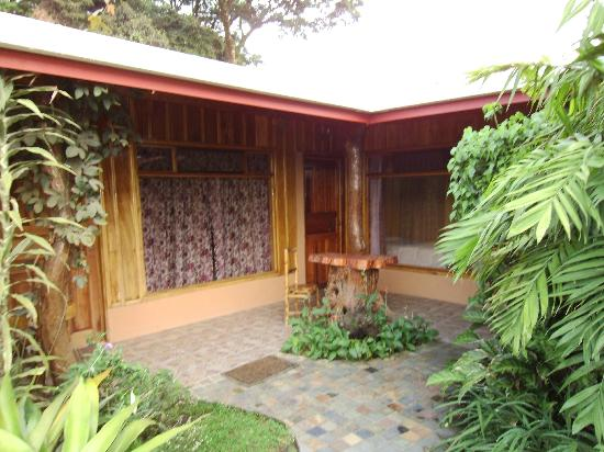 Monteverde Rustic Lodge: The pictures do not do it justice