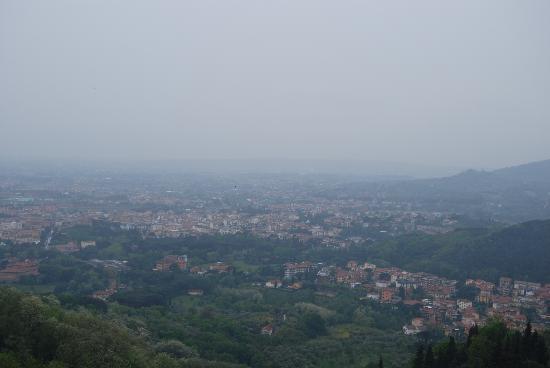 Villa Gaia: вид в плохую погоду