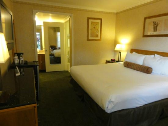 Monterey Park Inn: bedroom