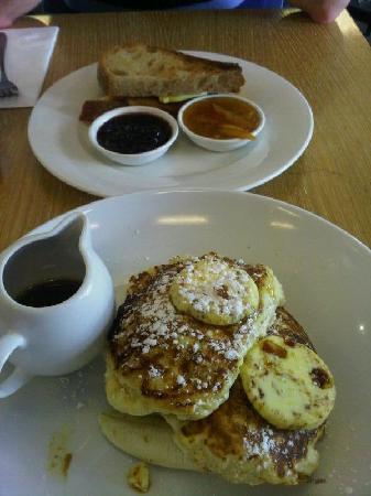 Bills Woollahra: Honeycomb pancakes of love