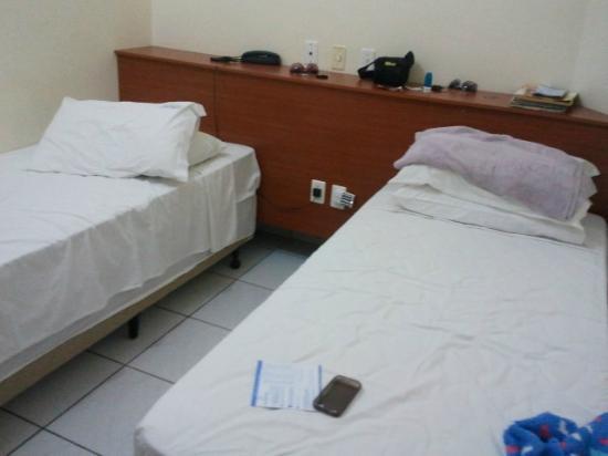 Hotel Araguaia: quarto com split