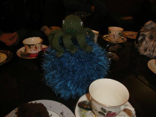 Loopy Lorna's Tea House : Mmmmm!