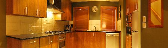 Wanaka Luxury Apartments: Two bedroom Kitchen