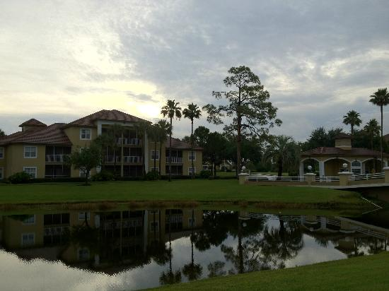 Sheraton PGA Vacation Resort Villas : View of Building & grounds