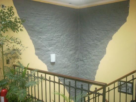 Sur Hotel: Stairwell