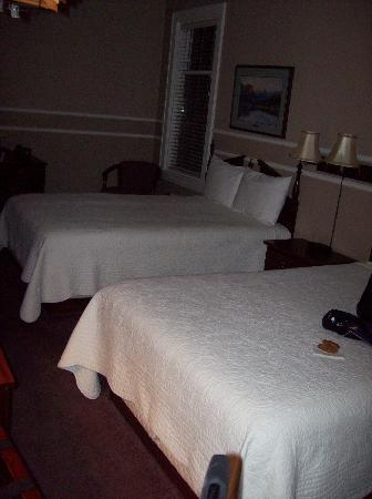 كاليسبيل جراند هوتل: Our room