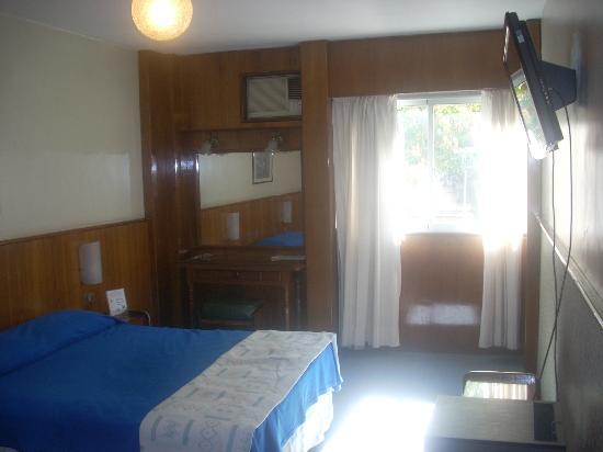 Hotel Alpino: Bedroom View