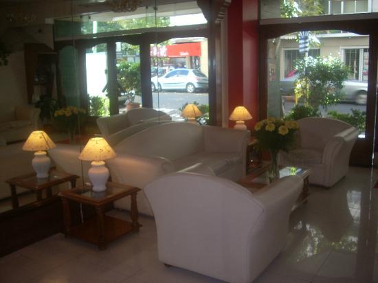 Hotel Alpino: Lobby View
