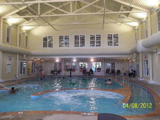 The Colonies at Williamsburg Resort: Indoor pool area