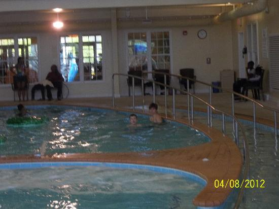 The Colonies at Williamsburg Resort: Indoor Pool