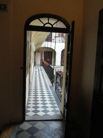 ลิทเทิ้ลทาวน์บัดเจ็ทโฮเต็ล: Pasillo , 2 piso
