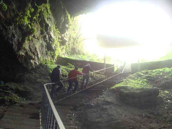 Dunmore Cave: Cave entrance