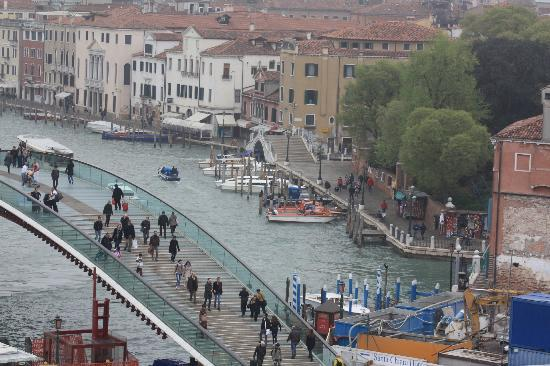 Hotel Canal Grande : The first view of Venice