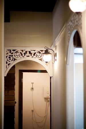 Suneta Hostel Khaosan - Bathroom