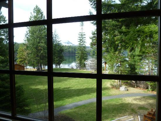 The Lodge at Suttle Lake: view of lake from the room