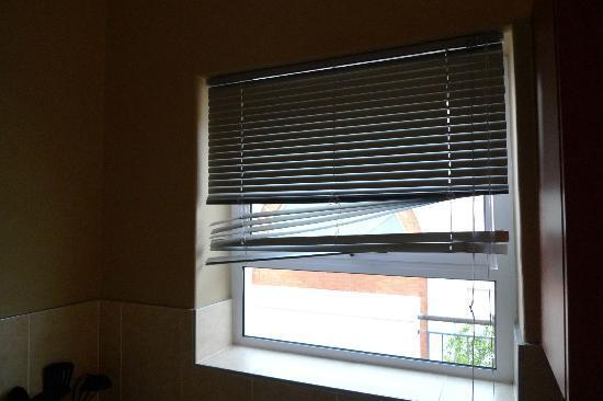 Kings Hotel - Urban Hip: broken blinds