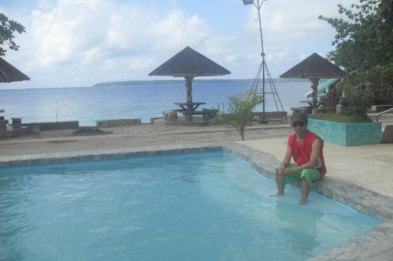 Salagdoong Beach Resort: the relaxing pool and jacuzzi