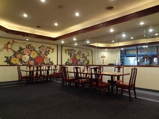 Jade Garden: Enjoy an authentic delicious Chinese cuisine in an elegant and casual atmosphere.