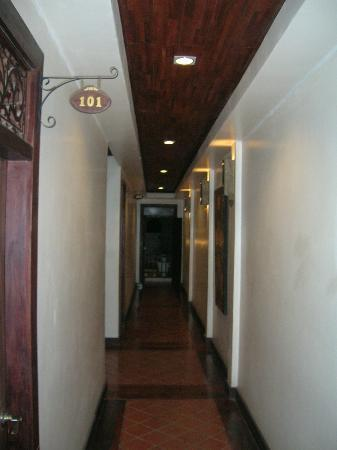 Arissara House: hall