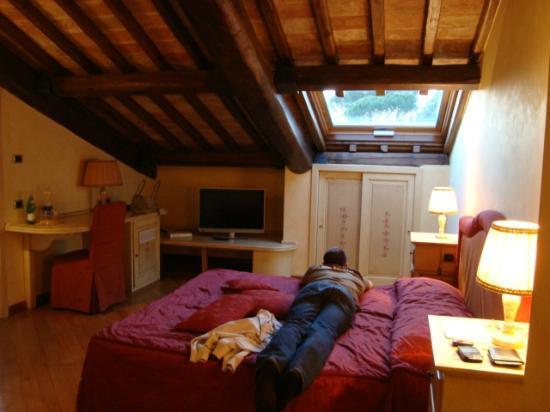 Molino del Duca Cesi: Camera Junior Suite