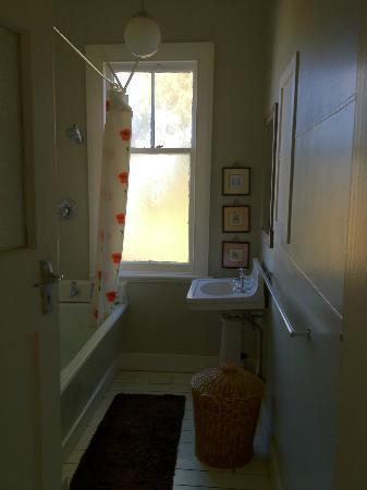 The Tin Hut : Tin Hut - The very shared bathroom