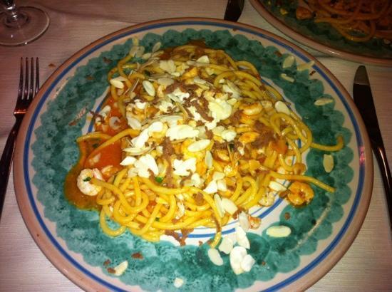 Spaghetti bottarga gamberi e mandorle foto di sicilia in tavola siracusa tripadvisor - Sicilia in tavola siracusa ...