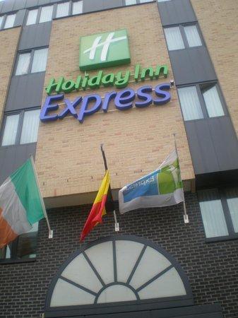 Holiday Inn Express Hasselt: Fachada