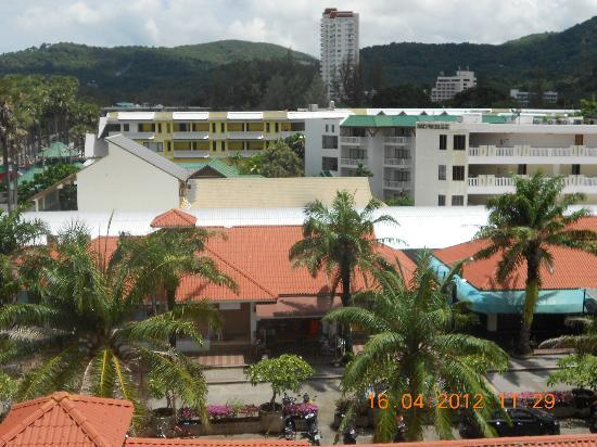 Baumancasa Karon Beach Resort: Вид с крыши