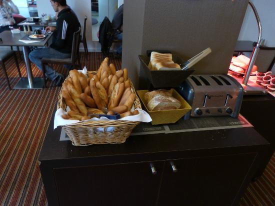 Bagnolet, Francja: petit-déjeuner