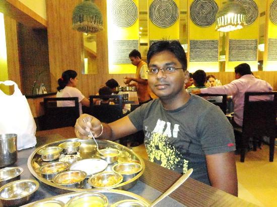 Rajdhani Restaurant: Dinner at Rajdhani (Shirdi)