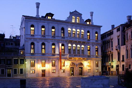 루치니 팰리스 호텔