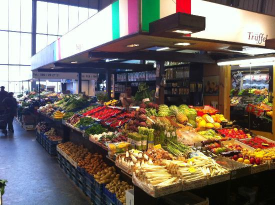 Kleinmarkthalle: Frisches Obst und Gemüse