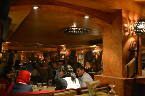Taboula Lebanese Restaurant: Interior of restaurant