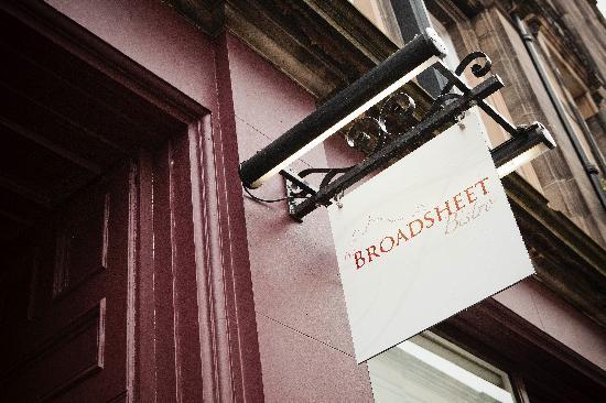 Broadsheet Bistro: Entrance sign