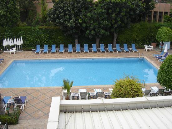Hotel Chems : piscine chauffée dés le matin et propreté impeccable