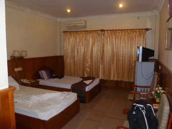 Freedom Hotel: Room