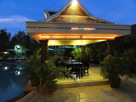 Lucky Angkor Hotel: terasse piscine