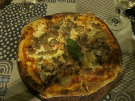 Olgau0027s   The Italian Corner: Olgau0027s Pizza