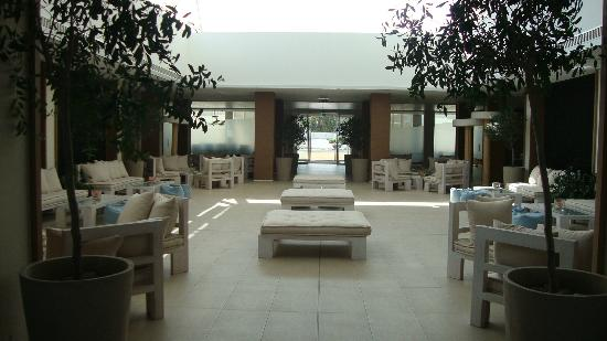 Capo Bay Hotel: The new look of the renovated lounge area